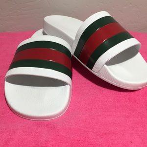 🎈Gucci White Pursuit '72 Rubber slide Sandal 🎈
